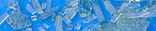フロントドアガラスの破片