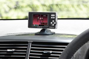 2.2インチフルカラーIPS液晶ディスプレイ搭載ダウンロード対応GPS&レーダー探知機「PGR01si」(ブラケット使用・ダッシュボード取付)