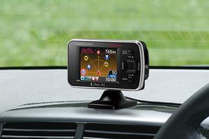 2.0インチフルカラーELディスプレイ搭載ダウンロード対応GPS&レーダー探知機「R550si」(ブラケット使用・ダッシュボード取付)